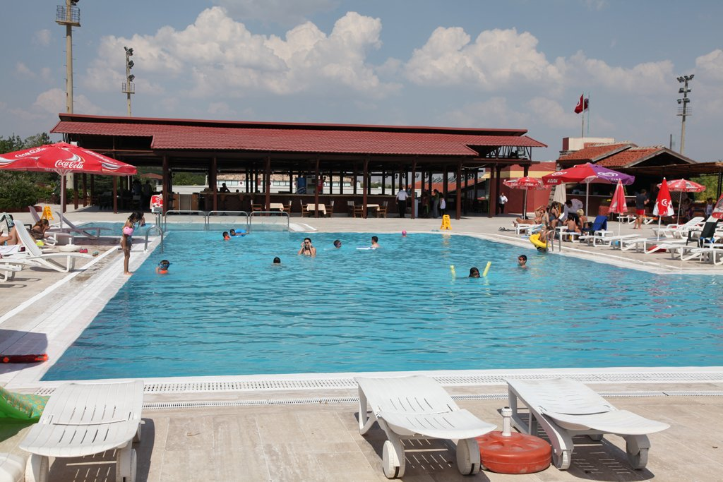 Capital Country Club Yüzme Havuzu