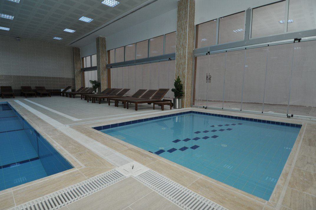 Keçiören Mevlana Kültür Merkezi Yüzme Havuzu