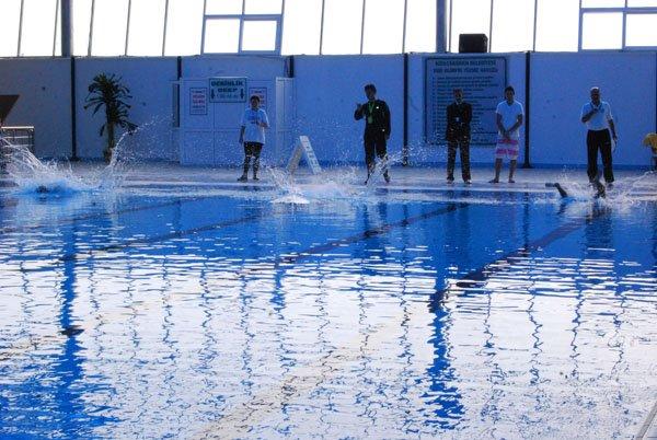 kKızılcahamam Belediyesi Yarı Olimpik Yüzme Havuzu