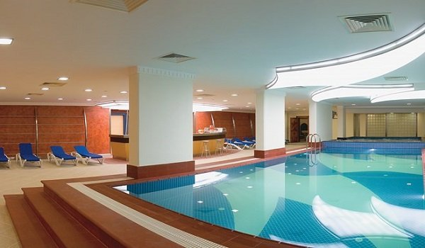 Metropolitian Hotel Kapalı Yüzme Havuzu