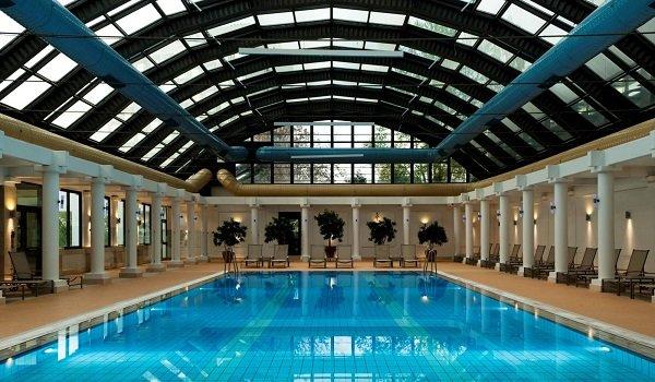 Sheraton Otel Kapalı Yüzme Havuzu